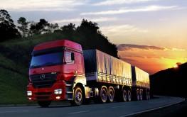 Caminhão-na-estrada